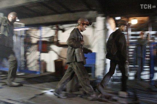 Зі знеструмленої шахти на Луганщині вийшли неушкодженими 90 гірників