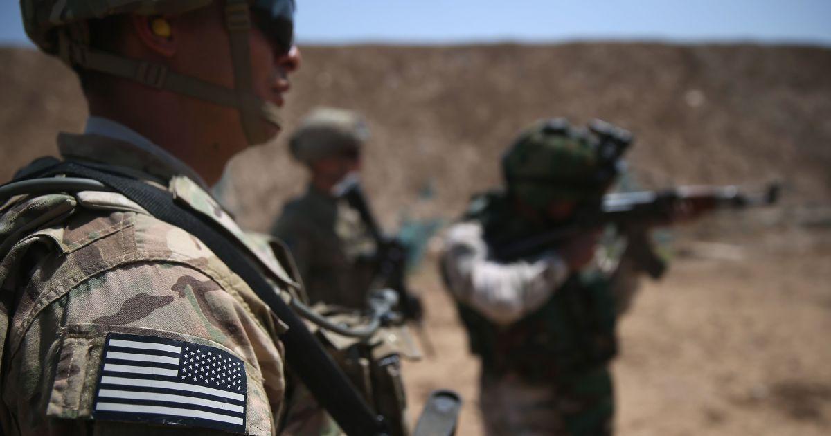 Украина имеет право защищаться: США предоставят оборонительное вооружение - Госдеп