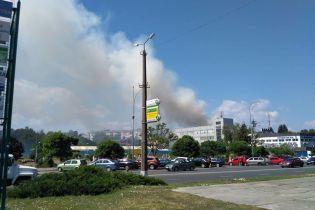Под Киевом загорелся пятиэтажный жилой дом