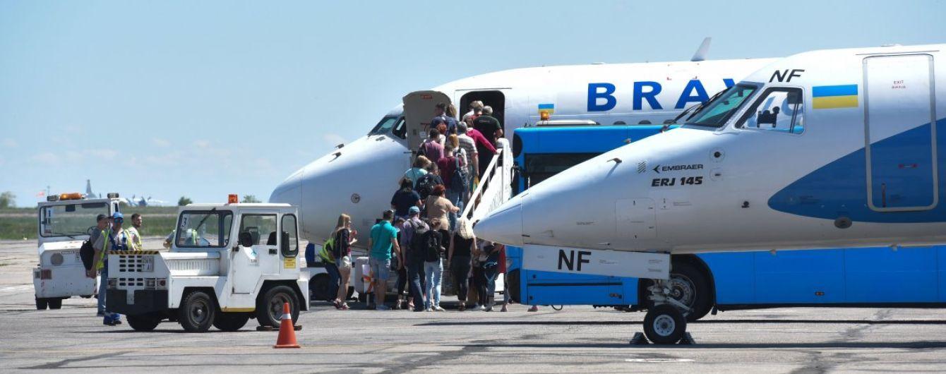 Українських туристів почали вивозити з Тунісу