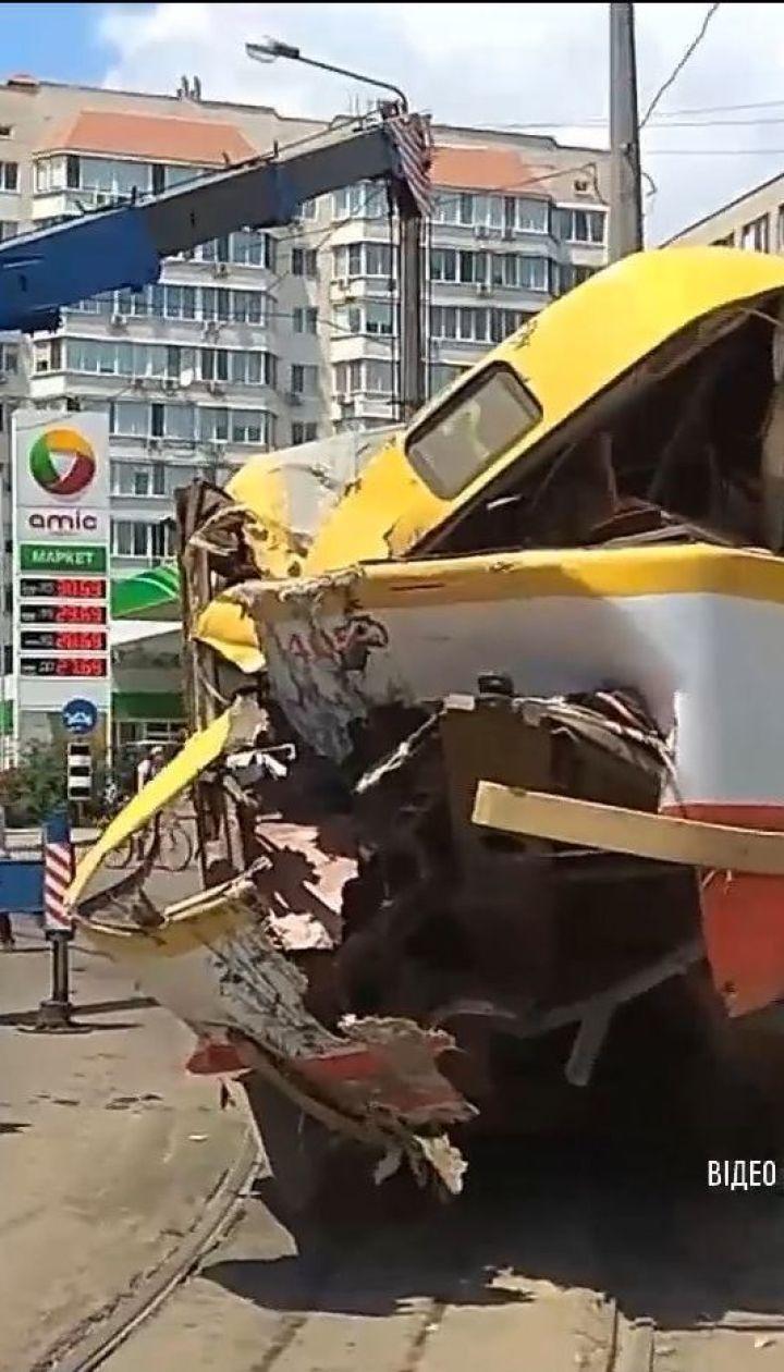 В Одесі трамвай на швидкості зійшов з рейок