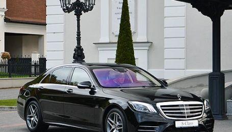 Пару премиальных броневиков Mercedes-Benz купят для администрации Порошенко
