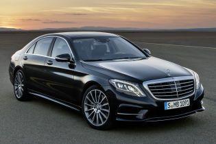 У Порошенко решили купить четыре люксовых Mercedes и выделили на это 2 млн долларов