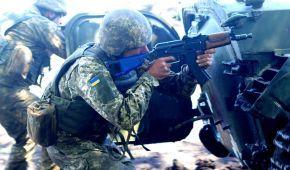 На передовій поранили українського бійця. Ситуація на Донбасі