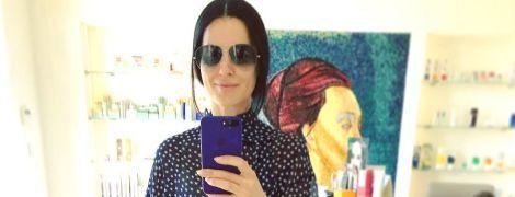 В широких джинсах и блузке со звездами: Маша Ефросинина показала свой повседневный образ