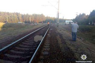 На Харьковщине на перегоне мотоцикл врезался в поезд, есть погибшие