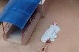 У Вишневому дівчина розбилась на смерть, випавши з вікна багатоповерхівки