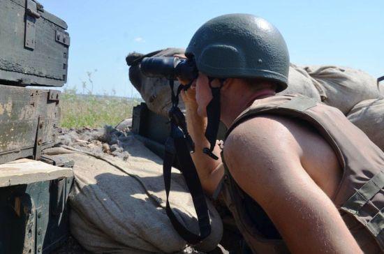 Під час обстрілів бойовиків на передовій був поранений український боєць. Ситуація на Донбасі