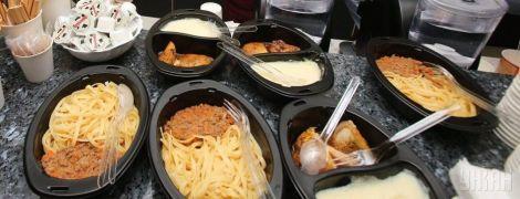 ТСН stories. Чем украинцев будут кормить в поездах и сколько это стоит: полное меню