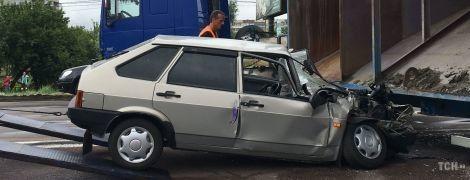 Смяло, как жестянку. Под Киевом произошло кровавое ДТП с фурой, двое пострадавших