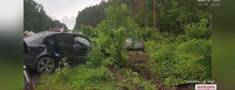 ДТП із білорусами на Львівщині: одна з постраждалих померла
