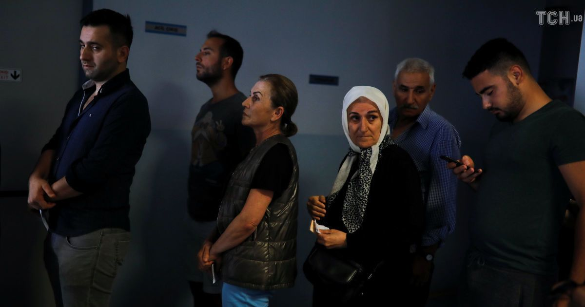 Тест на стойкость для Эрдогана. В Турции стартовали судьбоносные выборы президента и парламента