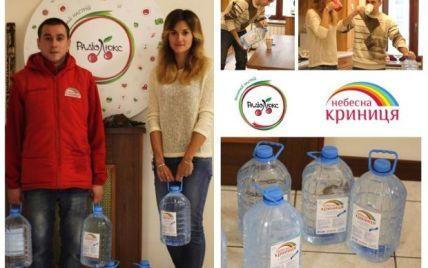 У Києві освячену воду доставляли додому і в офіс