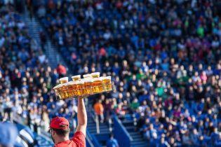 На матчах Ліги чемпіонів дозволять пити пиво