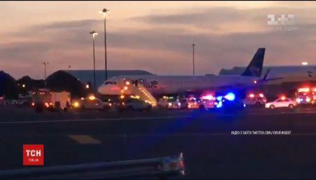 В нью-йоркском аэропорту подняли тревогу из-за проблем с радиооборудованием