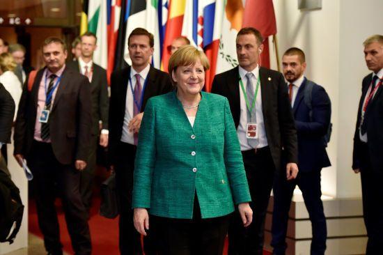 Після дев'яти годин перемовин лідери ЄС ухвалили нову міграційну політику