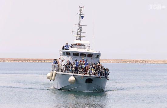 Біля берегів Лівії затонув корабель зі 120 мігрантами на борту
