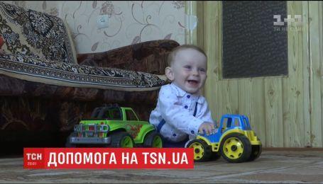 Батьки 11-місячного Даниїла просять небайдужих допомогти хлопчику чути