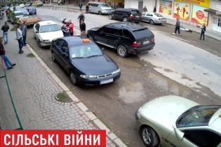 На Прикарпатье массовая драка с битой и пистолетом вызвала скандал, который может дойти до Авакова и Луценко