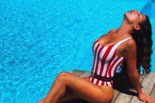 Битва полосатых купальников: Надя Дорофеева vs Анна Седокова