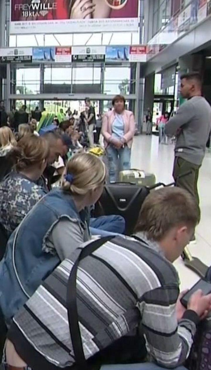 Туристи, які застрягли у Тунісі, сьогодні мають повернутися до України