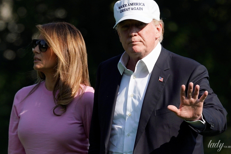 Мелания Трамп в одеяние  как уМеган Маркл прилетела в Англию