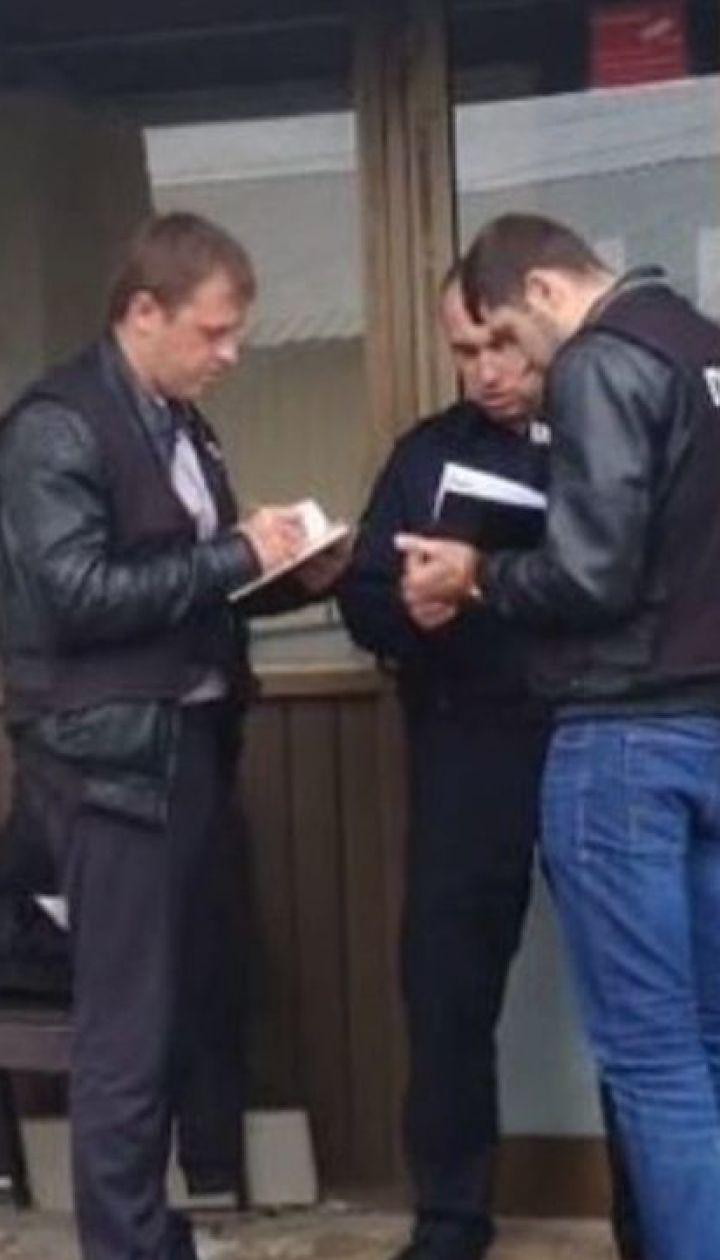 Зловмисники зі зброєю пограбували конвертаційний центр у Києві