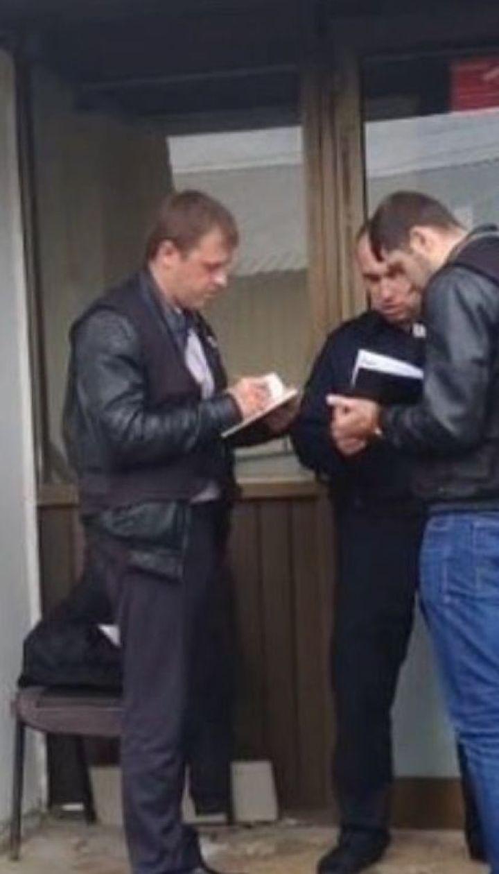 Злоумышленники с оружием ограбили конвертационный центр в Киеве