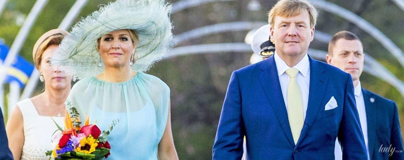 В голубом платье и шляпе: королева Максима впечатлила еще одним образом