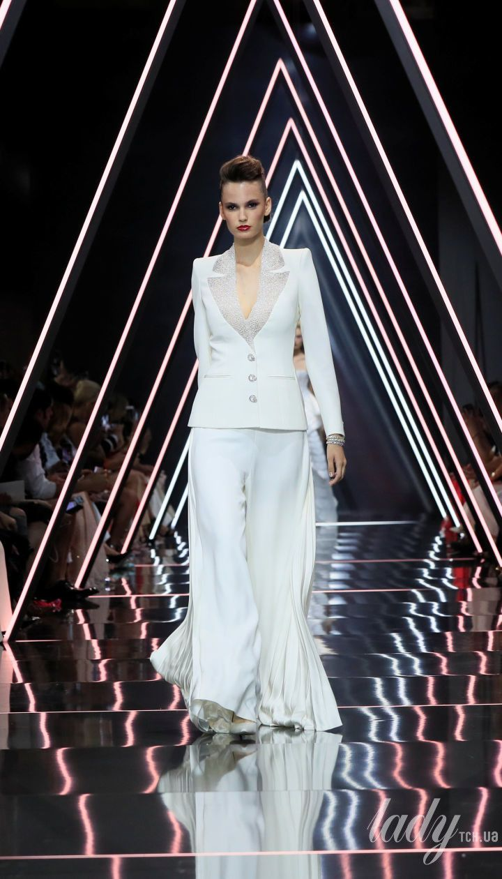 Показ Ralph & Russo Couture @ Reuters