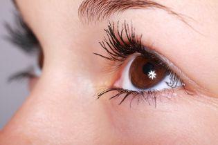 В Кременчуге из глаза женщины извлекли 12-сантиметрового паразита