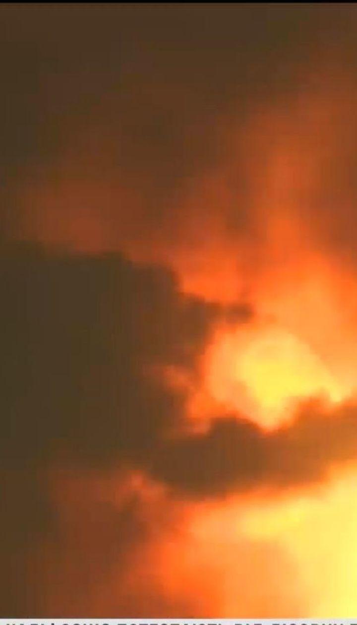 Тысячи семей пришлось эвакуировать из-за масштабных пожаров в США