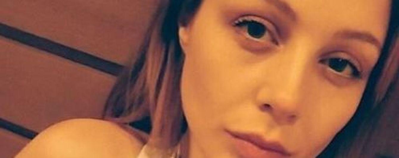"""Тіна Кароль показала, як """"катують"""" її вухо заради зліпка"""