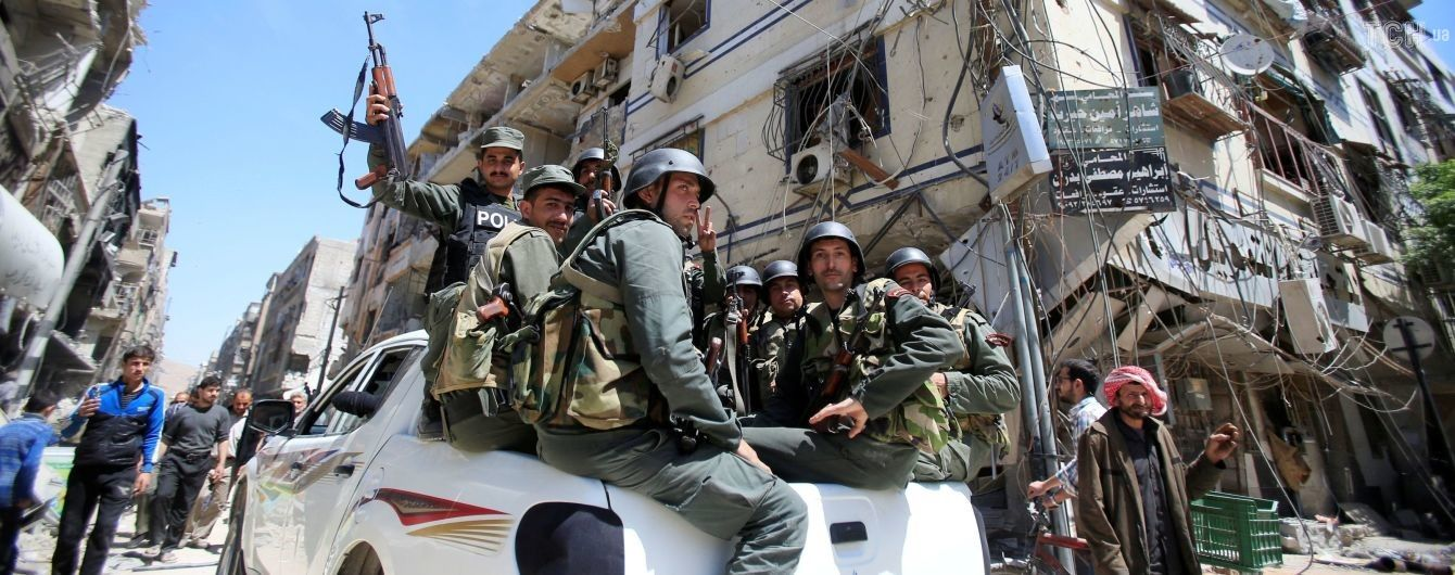 Російські військові переконують, що знайшли в сирійській Думі склад хімікатів бойовиків