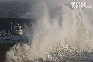В Таиланде из-за шторма утонули сразу два корабля с более чем сотней туристов