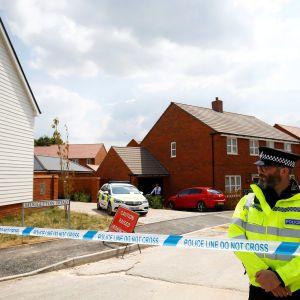 Британські слідчі зібрали понад 400 речових доказів у справі щодо отруєння в Еймсбері