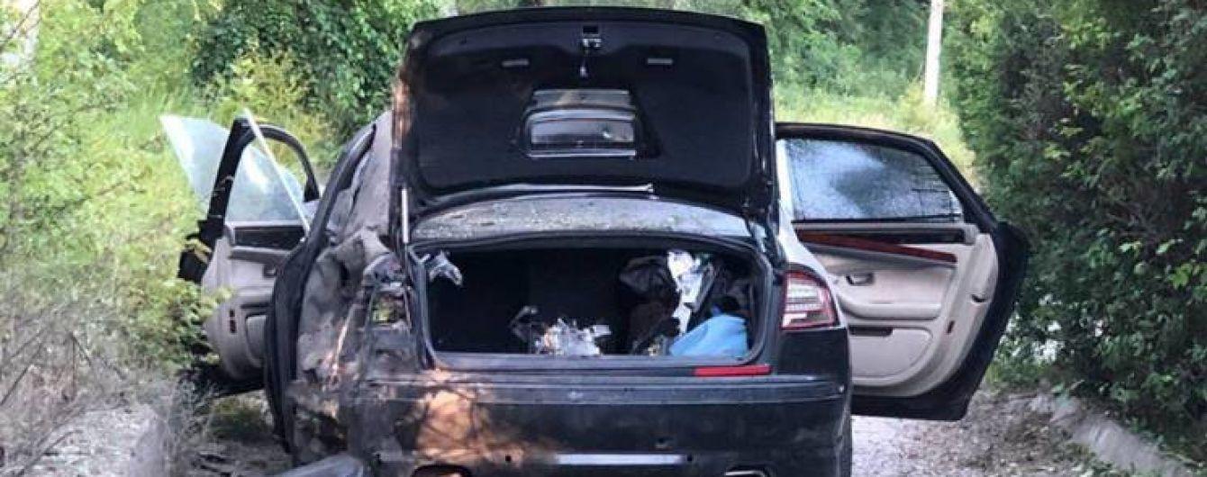 В Харькове взорвали автомобиль руководителя фармацевтической фабрики