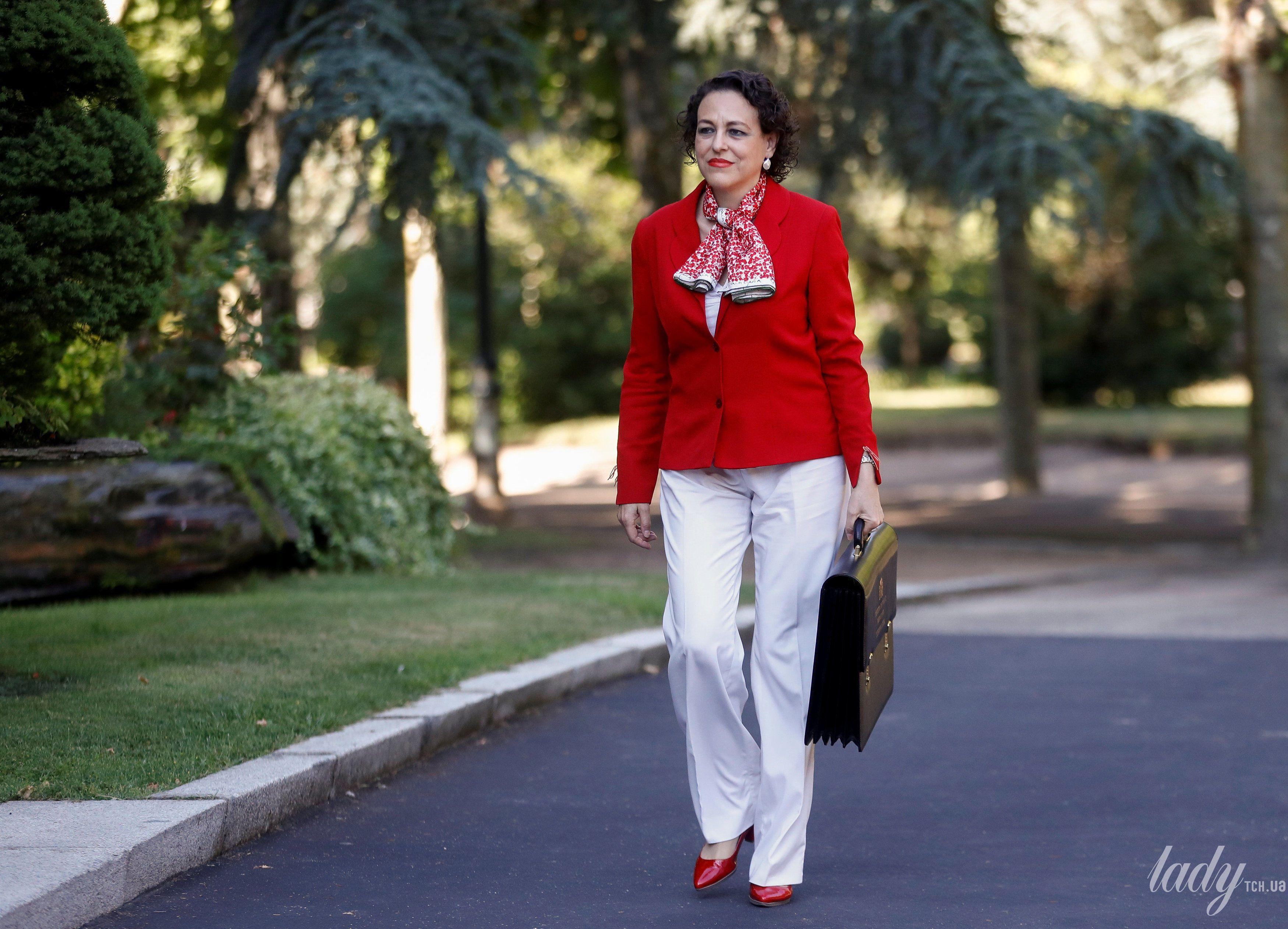 Министр труда Испании Магдалена Валерио_3