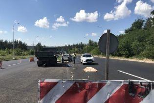 Тормозного пути нет: стали известны подробности дорожной трагедии с ремонтниками под Киевом
