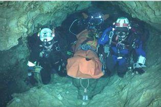 Спасенных из тайской пещеры юных футболистов отправят в послушники к буддийским монахам