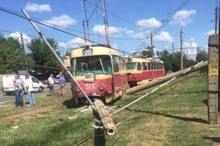 У Харкові трамвай вилетів з рейок
