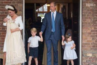 Как прошли крестины принца Луи: улыбающаяся Кейт и сосредоточенный Уильям