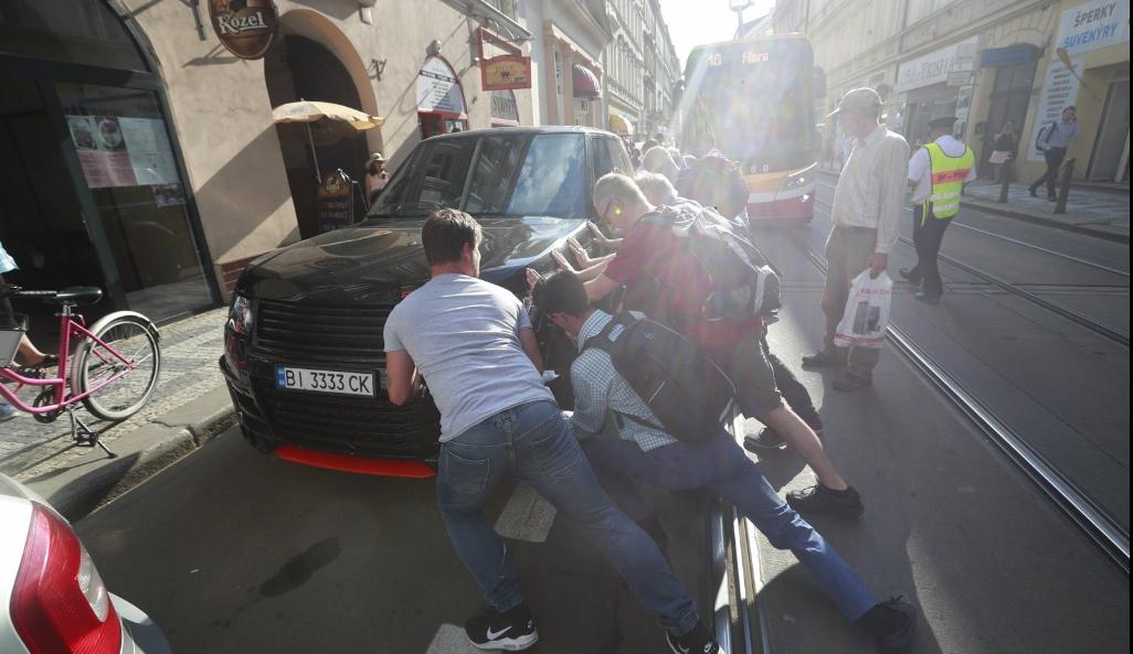 Land Rover, Прага_4