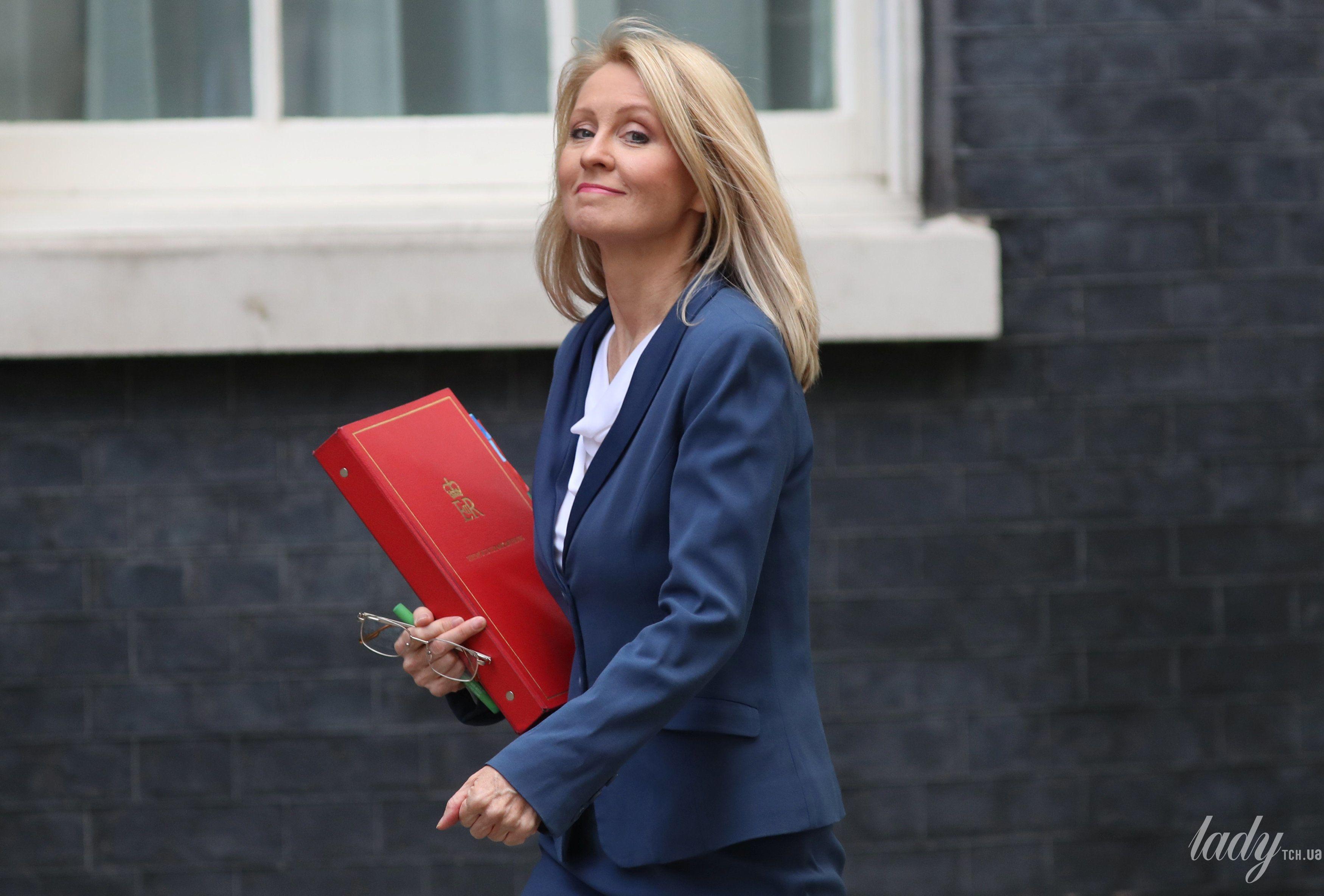 Министртруда и пенсионного обеспечения Великобритании Эстер Маквей_2