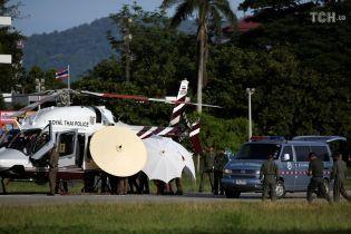 Рятувальна операція в Таїланді призупинена: із печери витягли вже вісьмох дітей