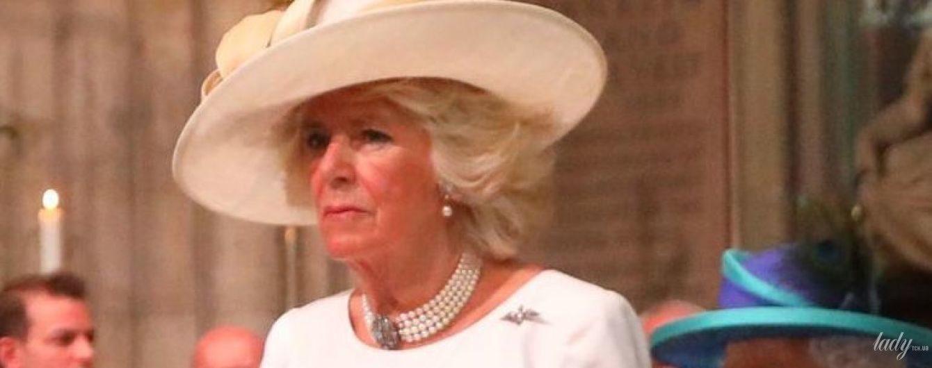 Знову в розкішному образі: герцогиня Корнуольська Камілла сходила на службу