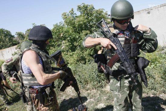 Бойовики з кулеметів та автоматів обстріляли українських військових на Донеччині