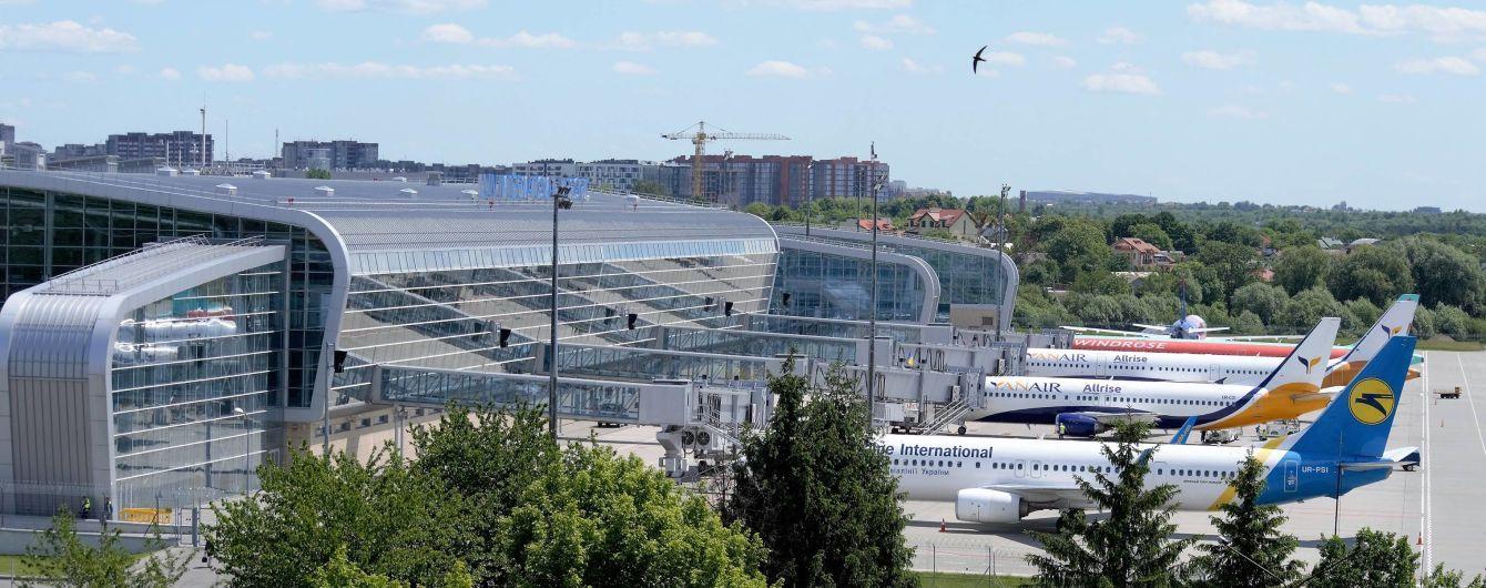 Аэропорт Львова отказался принимать самолеты украинской авиакомпании
