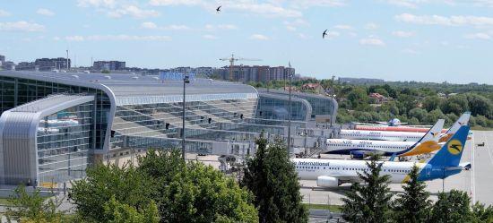 Аеропорт Львова відмовився приймати літаки української авіакомпанії