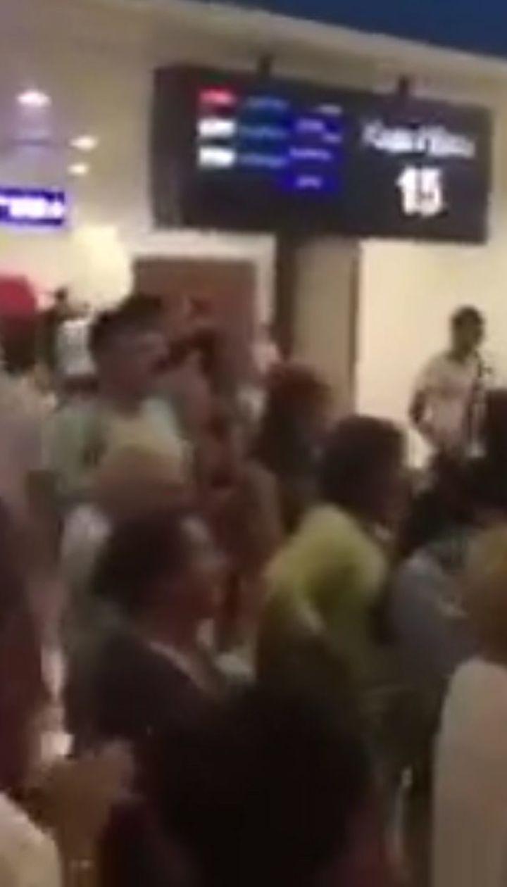 Українці застрягли в аеропорту Анталії